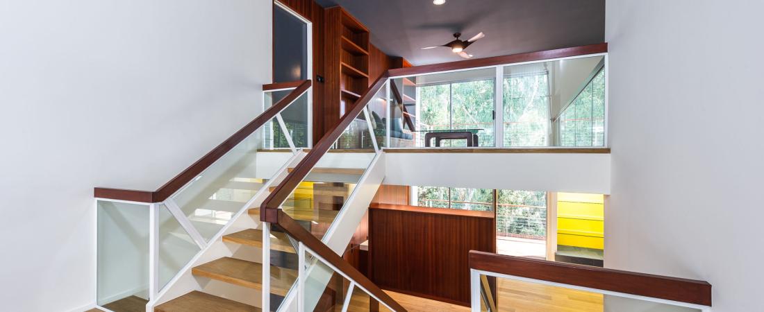 1-Brentwood-CA-Kearsarge-Residence-Entry-Stairs-2000x1331-1100x450.jpg