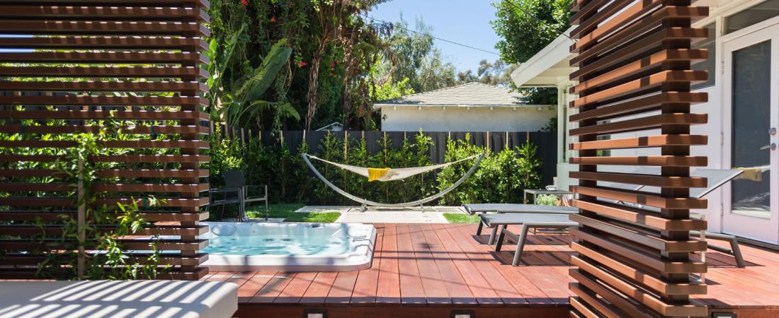 3-Brentwood-CA-Joffre-Residence-Trellis-Area-to-Deck-Hammock-1600x1065-1100x450.jpg
