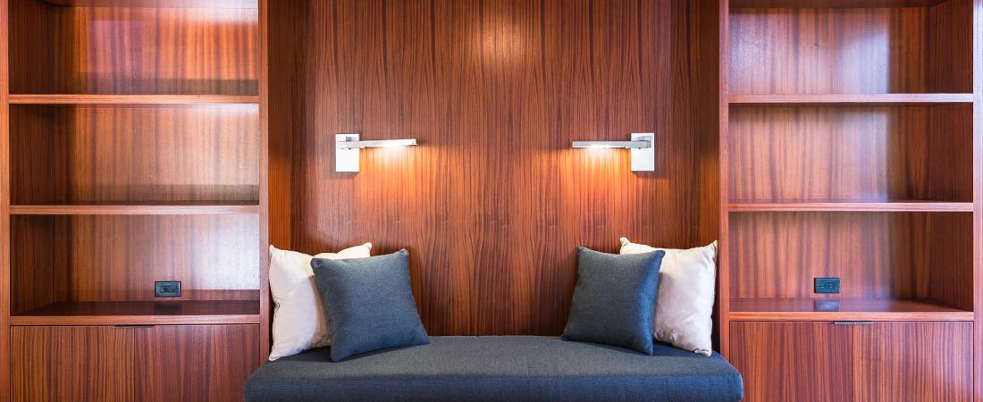 3-Brentwood-CA-Kearsarge-Residence-Loft-Reading-Area-1800x1440-1100x450.jpg