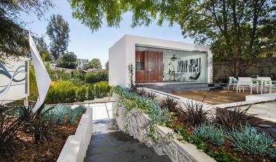 Brentwood CA, Kearsarge Guest House - NE View