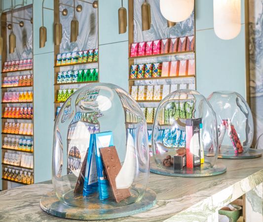 this-is-easily-the-chicest-chocolate-store-in-the-world-compartes-chocolate-opens-its-first-store-in-la-59b842bbebb7c97766f48787-origin-533x450.jpg