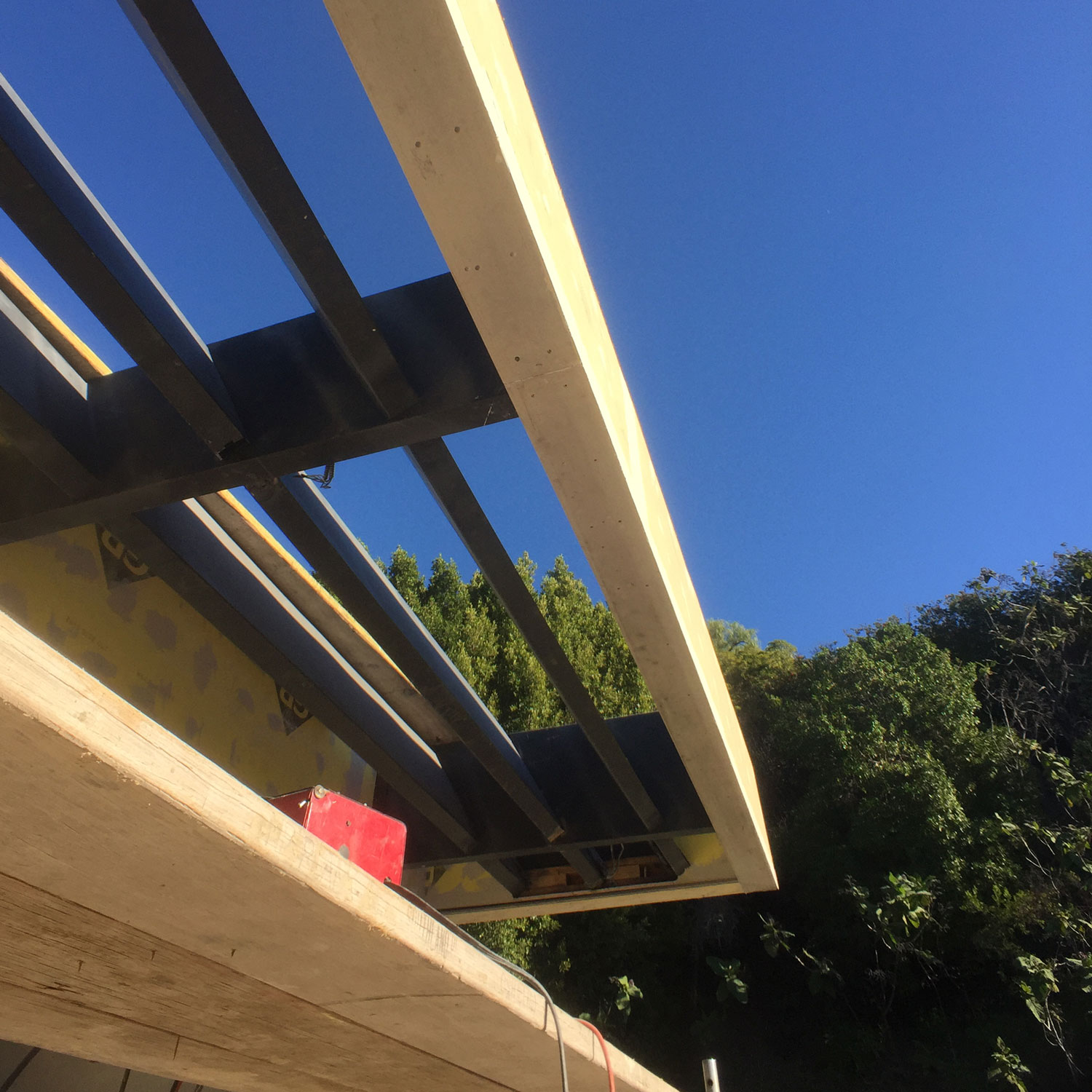 Benedict_Canyon_Shade_Trellis_made_of_Custom_Fabricated_Steel_3.jpg