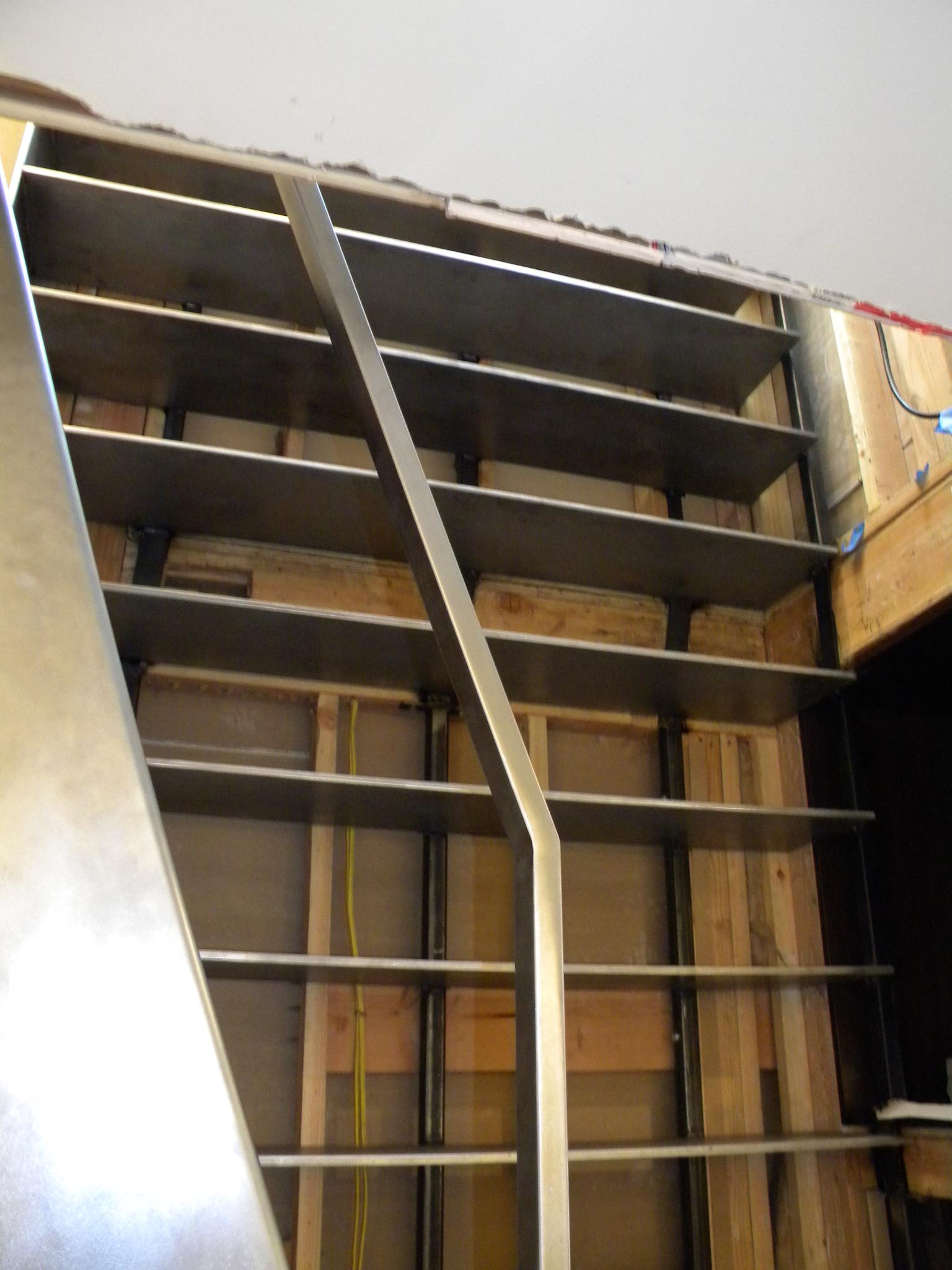 ladder-stairs-banister-DSCN7281.jpg