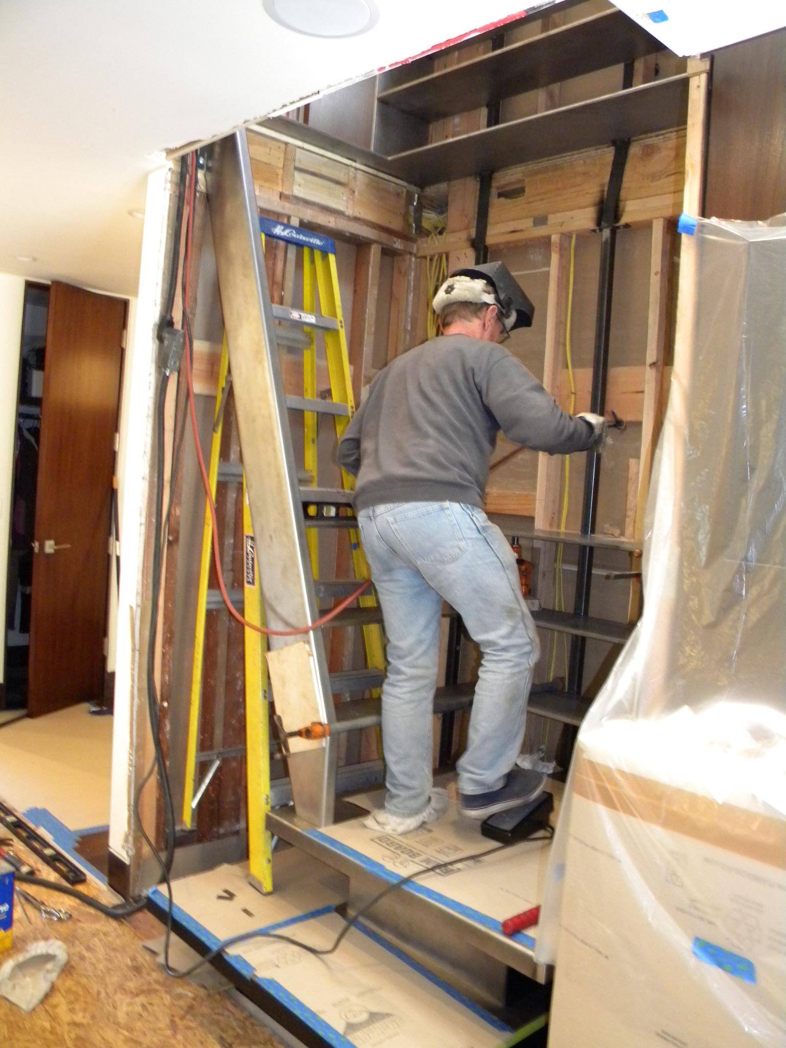master-craftsman-metal-worker-steel-staircase-DSCN7244.jpg